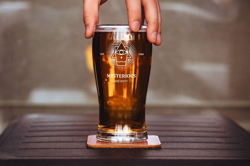 Free Beer Glass Mockup